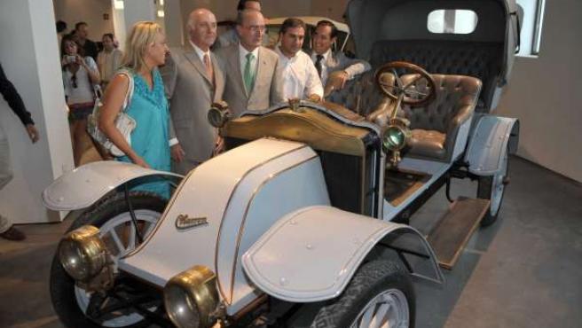 Visita a los coches del Museo Automovilístico