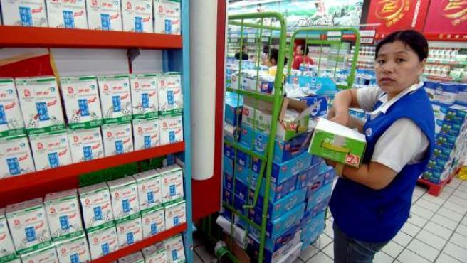 Un lineal de leche en un supermecado en China.
