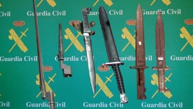 Bayonetas decomisadas en Torrelavega