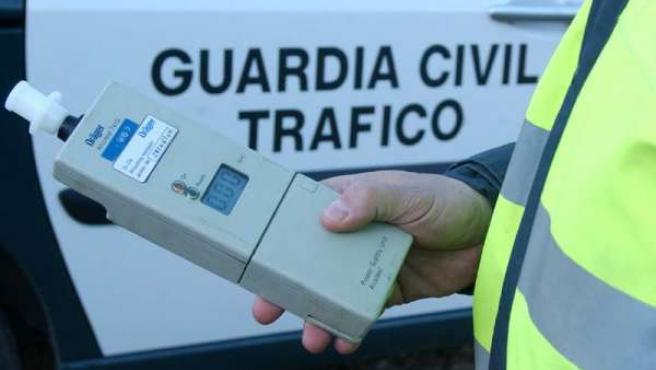 control de alcoholemia trafico guardia civil