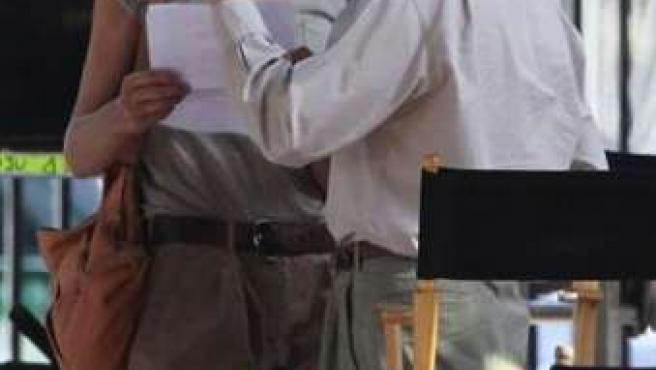 Carla Bruni y Woody Allen durante el rodaje de Midnight in Paris.