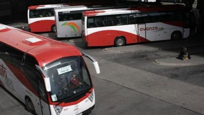 Autobuses de Auto Res en una estación.