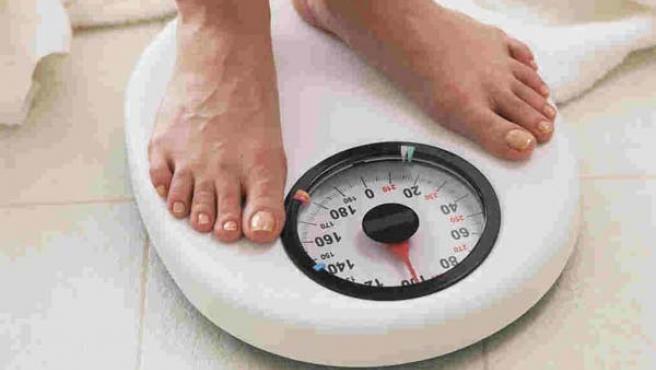 El 68% decide perder peso por su cuenta cuando nota que ha aumentado de talla.