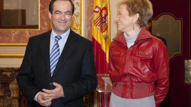 Vicepresidenta De la Vega con el presidente del Congreso, José Bono