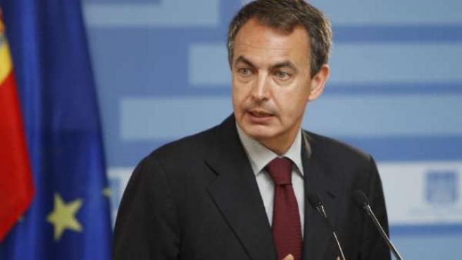 """Zapatero pide al PSOE que hay que ser """"garante"""" en los procesos de primarias."""