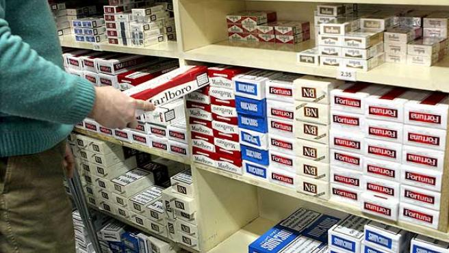 Paquetes de tabaco en un estanco.