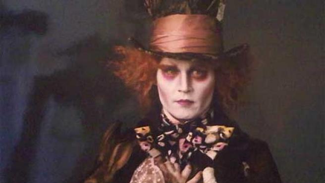 Johnny Depp caracterizado como el 'Sombrerero'.