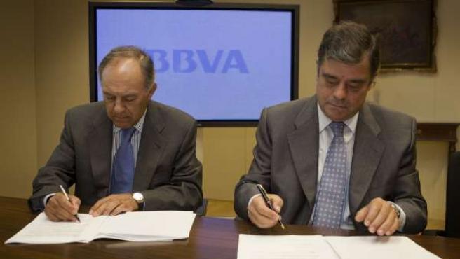 Firma de acuerdo entre Asemesa y BBVA para créditos a la industria de la aceitun