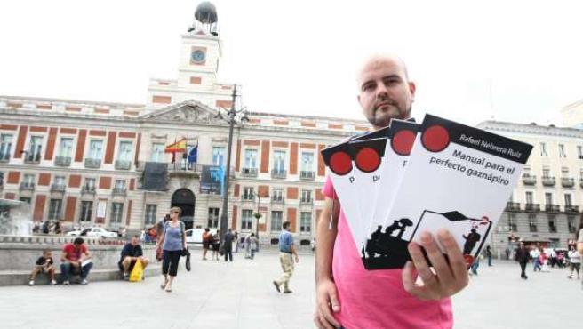 Rafael Nebrera, 'El escritor de la Puerta del Sol'.