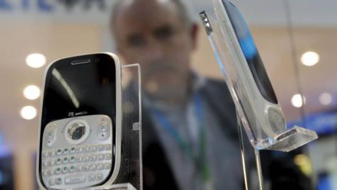 El móvil se ha impuesto en todas las edades.