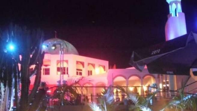 Panorámica nocturna de la discoteca La Meca, en Águilas (Murcia).
