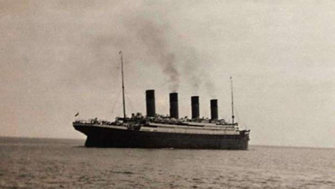 El Titanic se hundió en 1912 y murieron 1.517 personas.
