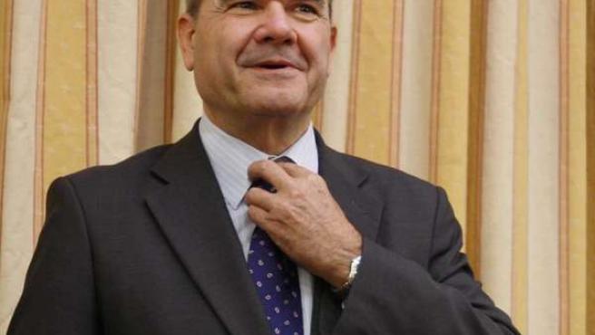 El Vicepresidente Tercero Del Gobierno Y Ministro De Política Territorial, Manue