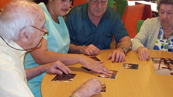 Algunas de las actividades desarrolladas por los pacientes con alzhéimer.