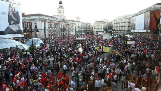 Panorámica de la Puerta del Sol de Madrid durante la manifestación de los sindicatos en la huelga general del 29-S.