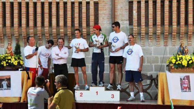 Fermín Cacho entrega los premios de la I Carrera Subida a Torreciudad