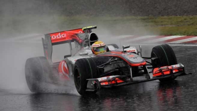 El piloto británico de Fórmula Uno Lewis Hamilton en la tercera sesión de entrenamientos del Gran Premio de Japón.