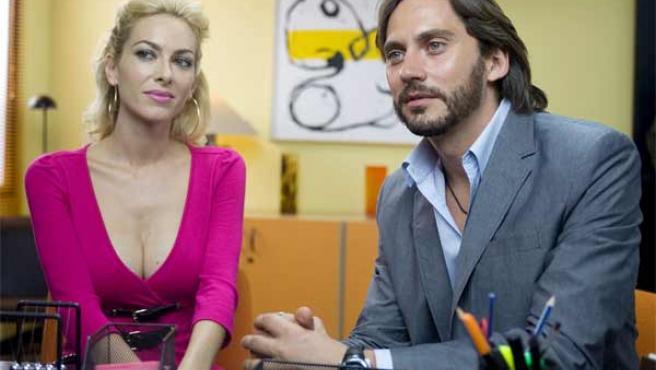 Kira Miró y Paco León, en 'El alzamiento nacional'.