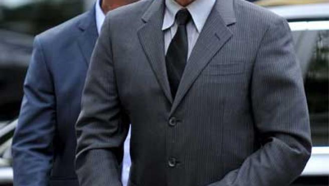 George Michael Llega a su llegada a un tribunal de Londres.