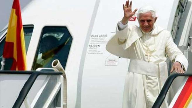 Benedicto XVI en su visita a Valencia los días 8 y 9 de julio de 2006.