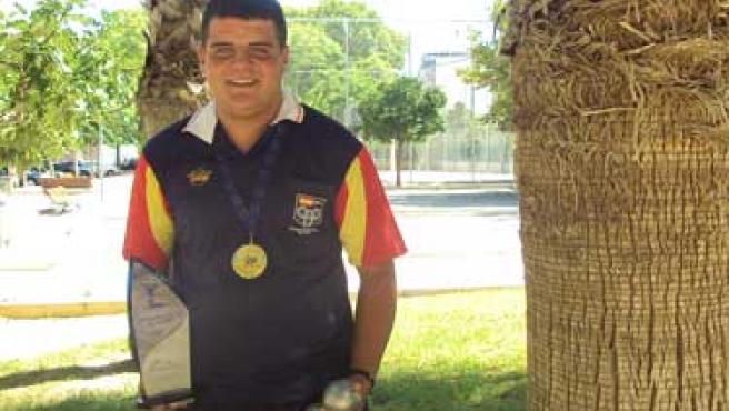 José Gómez, con su oro europeo y las bolas de petanca