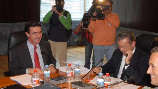 El presidente del PP en Canarias, José Manuel Soria, y el presidente canario, Pa