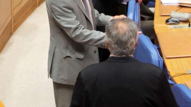 Agustín Hernández comparecerá no Pleno do Parlamento para explicar varios asunto
