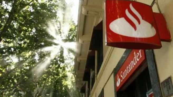 El Grupo Santander espera cerrar el año con un beneficio similar al obtenido en 2009, 8.943 millones de euros.