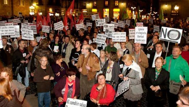 Manifestación en Barcelona contra la visita del Papa.