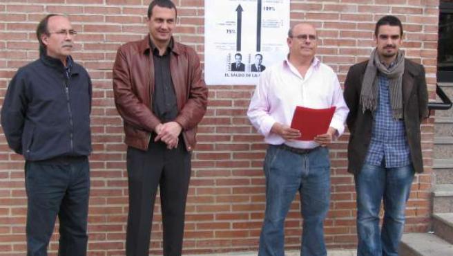 De izquierda a derecha, el concejal de IU-LV en Molina, Francisco Antonio Vicent