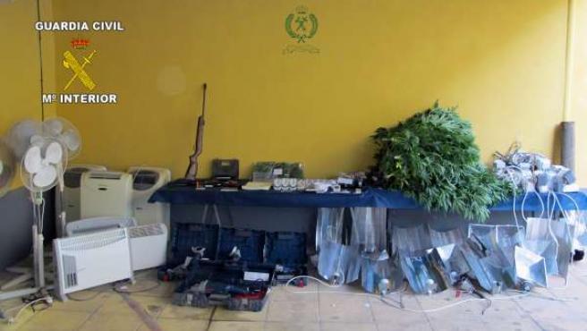 La Guardia Civil Desmantela Un Punto De Producción De Marihuana En Librilla