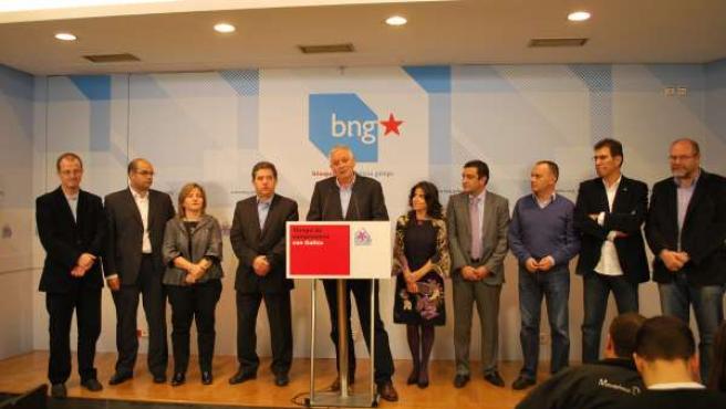 Candidatos del BNG municipales 2011 con Guillerme Vázquez