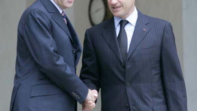 Fillon, con Sarkozy a las puertas del Elíseo.