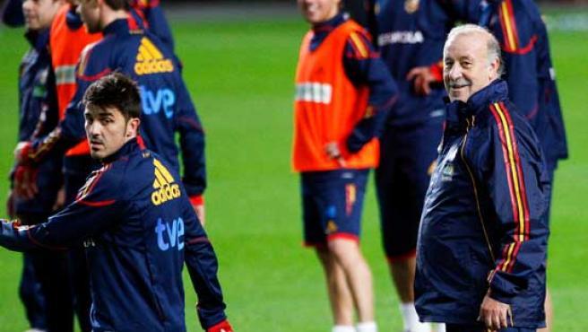 España entrena en Lisboa.