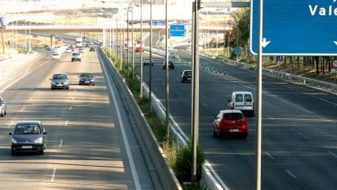 Imagen de la A-3 dirección Madrid, una de las ciudades españolas con menos atascos.