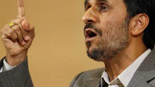 Mahmud Ahmadineyad argumenta su postura para hacer luchar contra las presiones de Occidente.