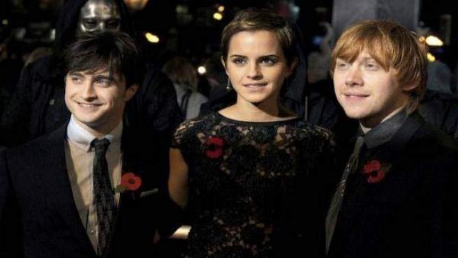 Emma Watson, junto a sus compañeros de reparto en 'Harry Potter'.