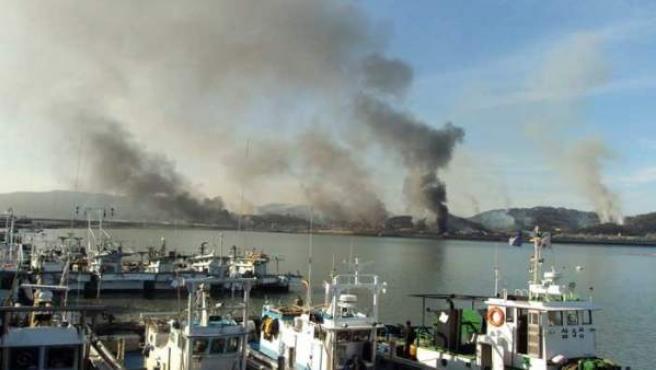 Disparos de artillería norcoreanos en la isla de Yeongpyeong en la zona fronteriza del Mar Amarillo.