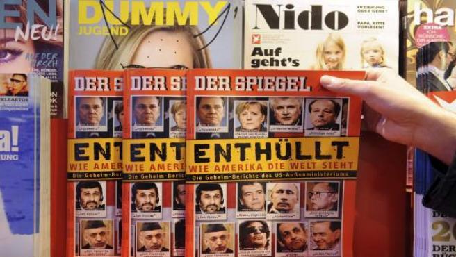 Ejemplares de la revista alemana Der Spiegel con filtraciones de Wikileaks.