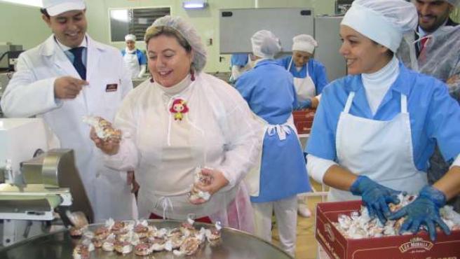La consejera de Agricultura y Pesca, Clara Aguilera, visita las instalaciones de