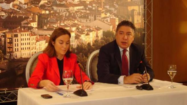 Cuca Gamarra y Tomás Burgos