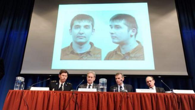 Una imagen del hombre detenido por abusar de menores en una guardería en Holanda, en la rueda de prensa sobre su detención.