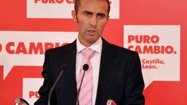 El secretario de Política Económica del PSCL, Julio López