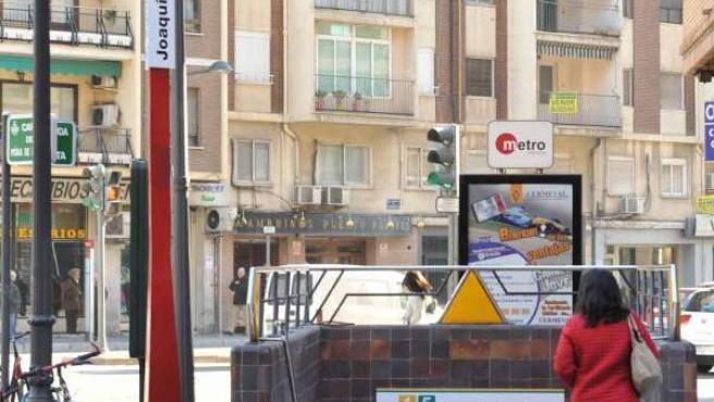 Nueva señalización de la estación Joaquín Sorolla de Metrovalencia.