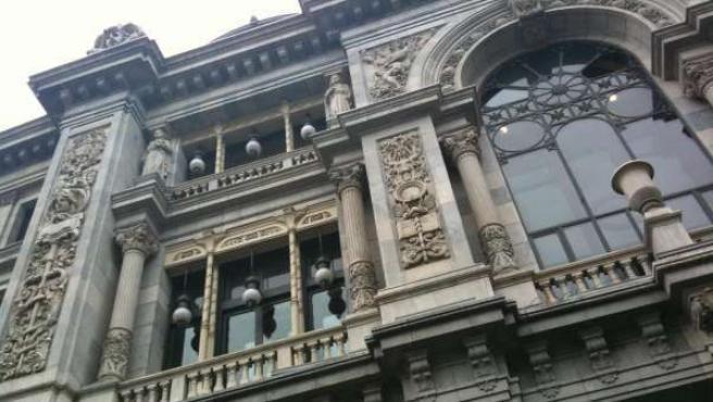 Un detalle de la fachada del Banco de España.