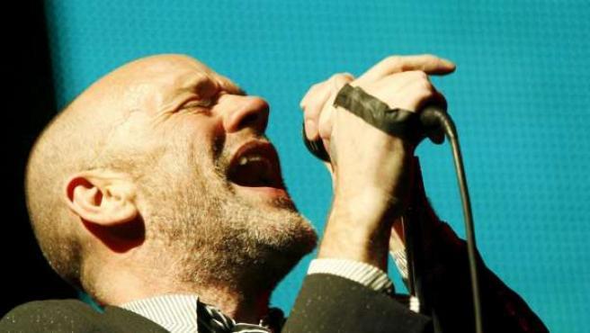 El cantante de REM, Michael Stipe, durante una actuación en Zurich.
