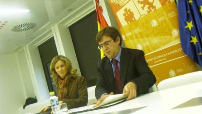 La ministra de Ciencia e Innovación, Cristina Garmendia, y el presidente del Gov