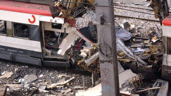 Estado de uno de los vagones, en la estación de Atocha, tras el atentado.