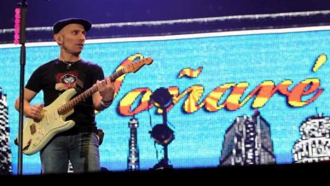 Fito y los Fitipaldis en el concierto que cerraba su gira en el Palacio de los Deportes de Madrid.