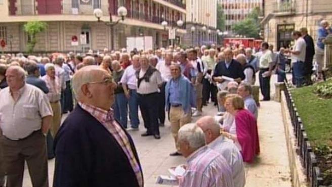 Un 62,3% de los ciudadanos cree que el sistema de pensiones empeorará en 2011, según el barómetro del CIS.
